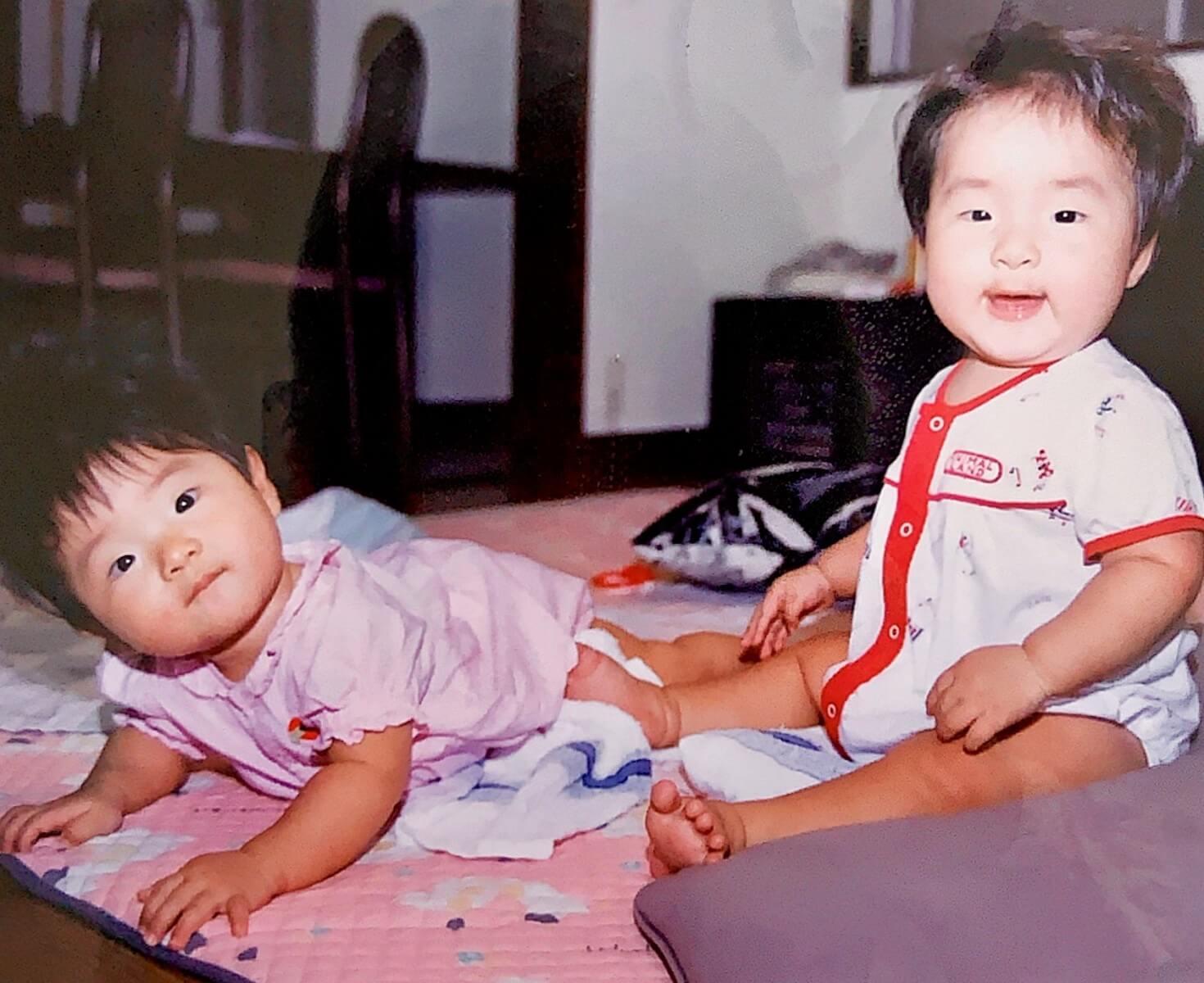 赤ちゃんの吉田朱里の写真