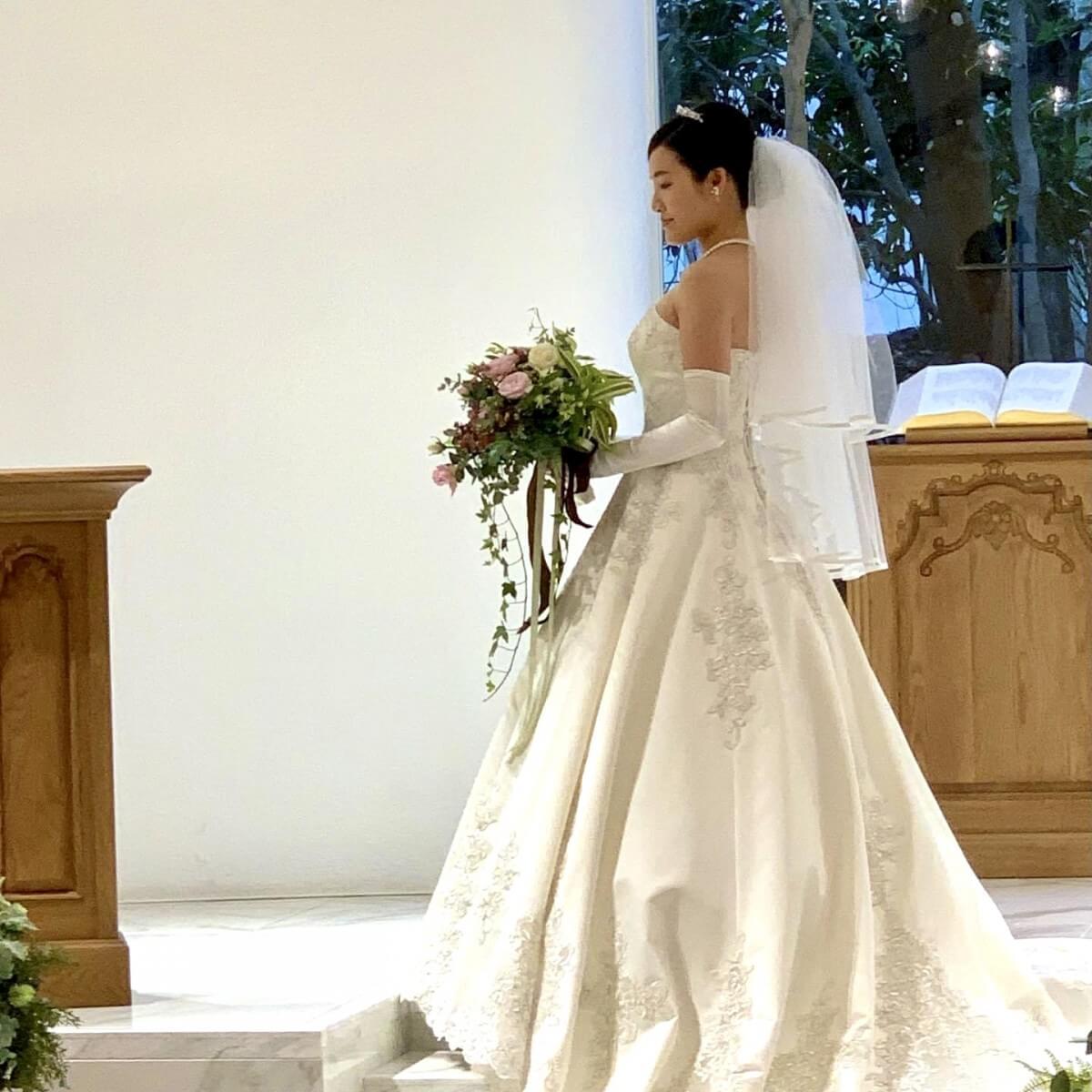 吉田朱里の結婚式の写真